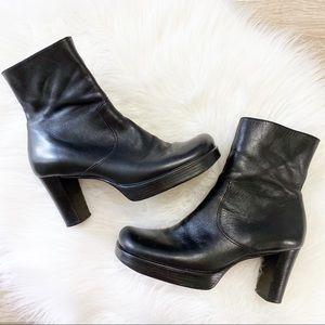 Gianni Bini platform square toe leather boot